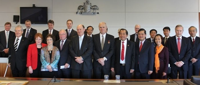 Delegates from the Supreme People's Court of Vietnam visit to the Federal Court, October 2011